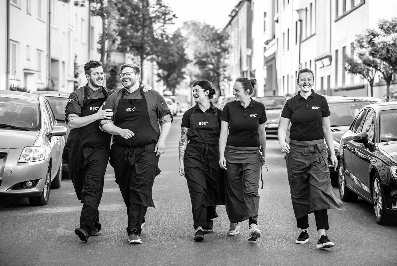 Link zur Bilddatei: brustoderkeule_bok_restaurant_muenster_gourmet_kreuzviertel_neue_bilder_startseite_bok_unser_team_galeriebilder_09